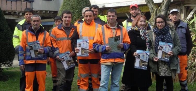 Distribution de votre Bulletin Municipal par les agents de la commune
